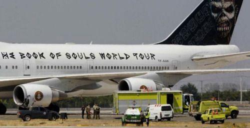 Avión de Iron Maiden se accidenta en aeropuerto chileno -...