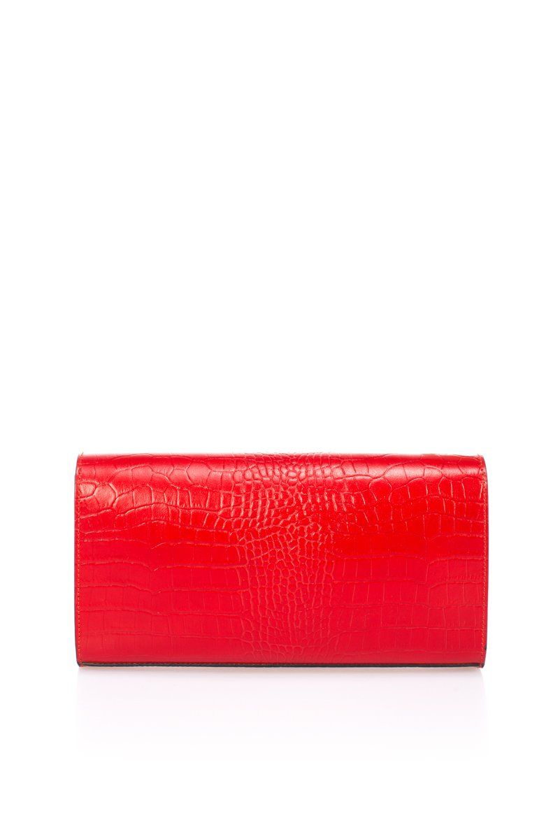 Clutch for women made of natural Ruga leather, red color, provided with magnetic button closure and internal zippered pocket. Choose this red clutch if you wish to add a touch of color and elegance to your outfit. With a compact shape, yet spacious enough to carry all your essentials, such as mobile phone, mirror or wallet. The frontal side of this clutch is adorned with a leather strap that goes around your hand, which provides extra comfort and femininity. Product made in Italy. Internal detai