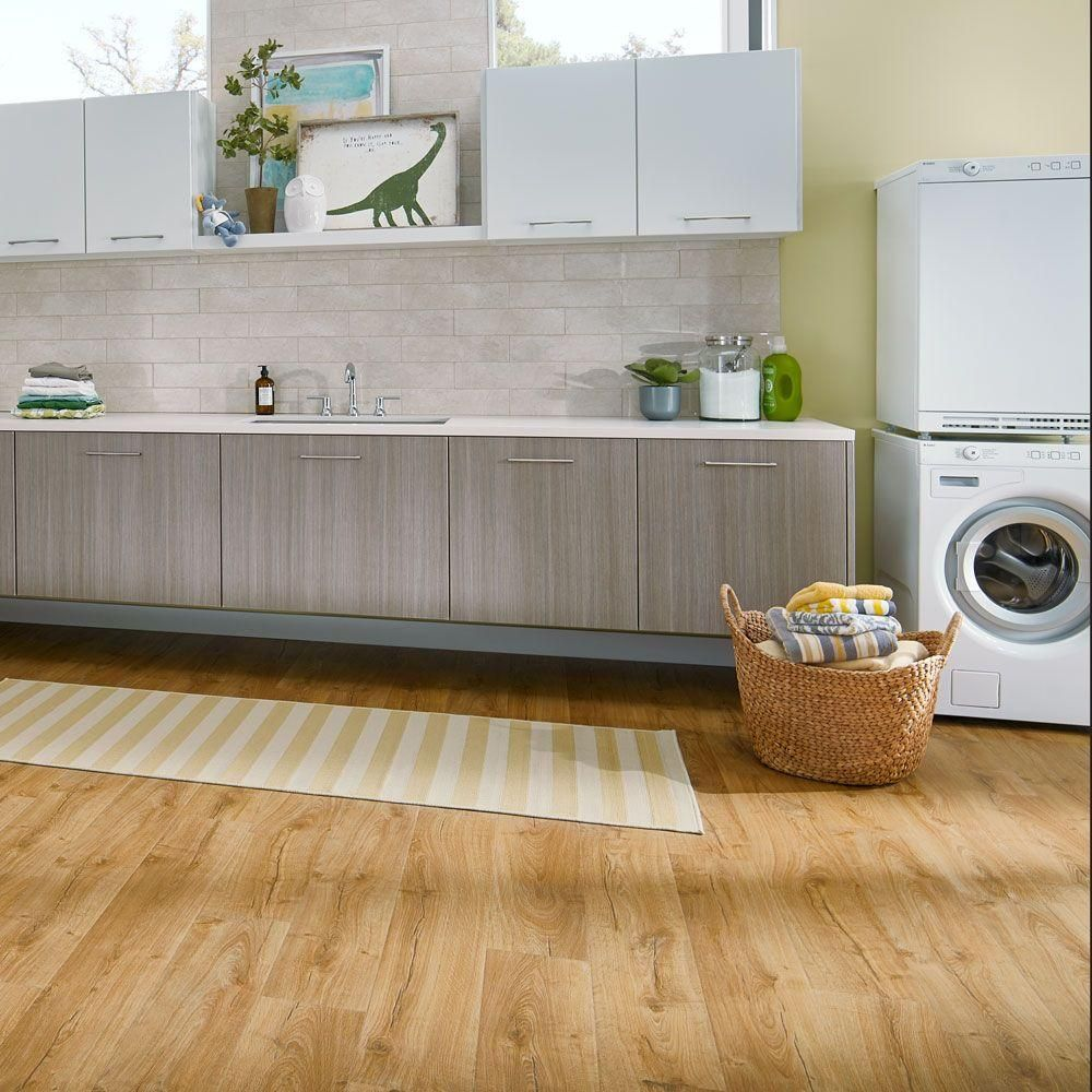 Pergo Outlast Marigold Oak 10 Mm Thick X 7 1 2 In Wide 47 4 Length Laminate Flooring 19 63 Sq Ft Case