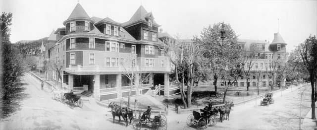 Cliff House Hotel in Manitou Springs - 1910 #manitousprings