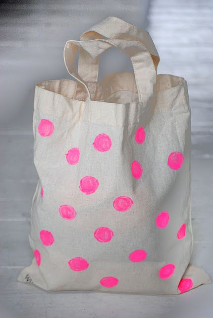 neon polka dots ♥ Loved by www.miekinvorm.nl || illustration, handlettering + design