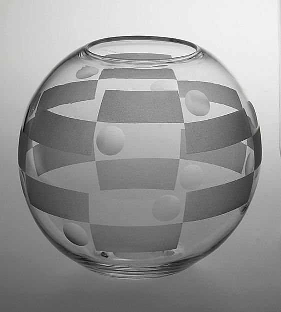 Vase. Designer: Walter Dorwin Teague. Manufacturer: Corning Glass Works, Steuben Division. Date: 1932. Medium: glass.