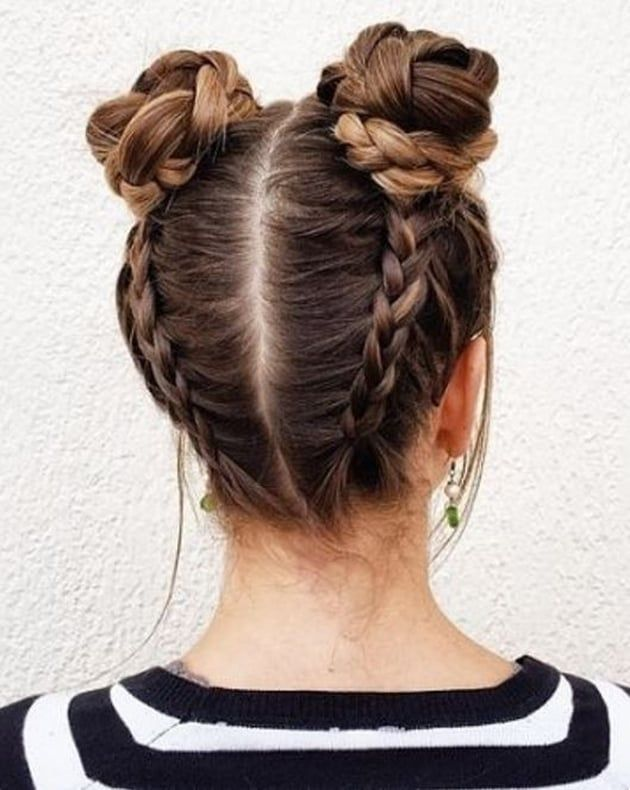 Double bun tressé coiffure en 2019 Coiffure, Coiffure