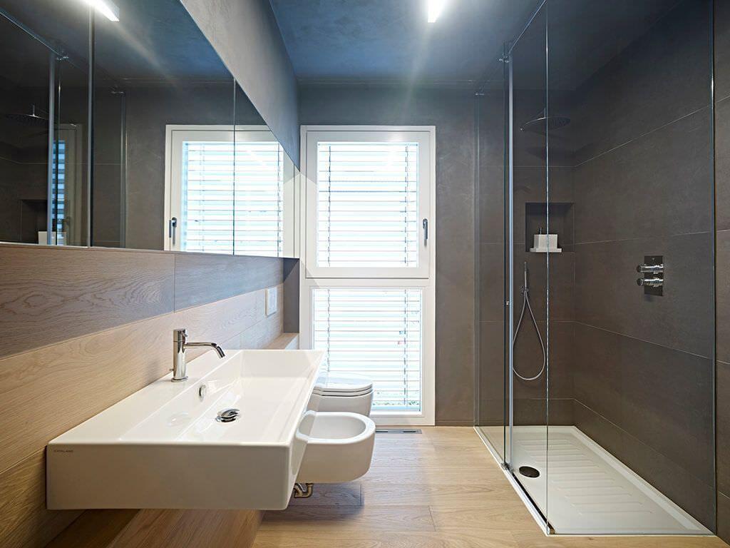 50 idee per ristrutturare un bagno piccolo moderno e funzionale stile maschile home family - Progetto bagno piccolo idee ...