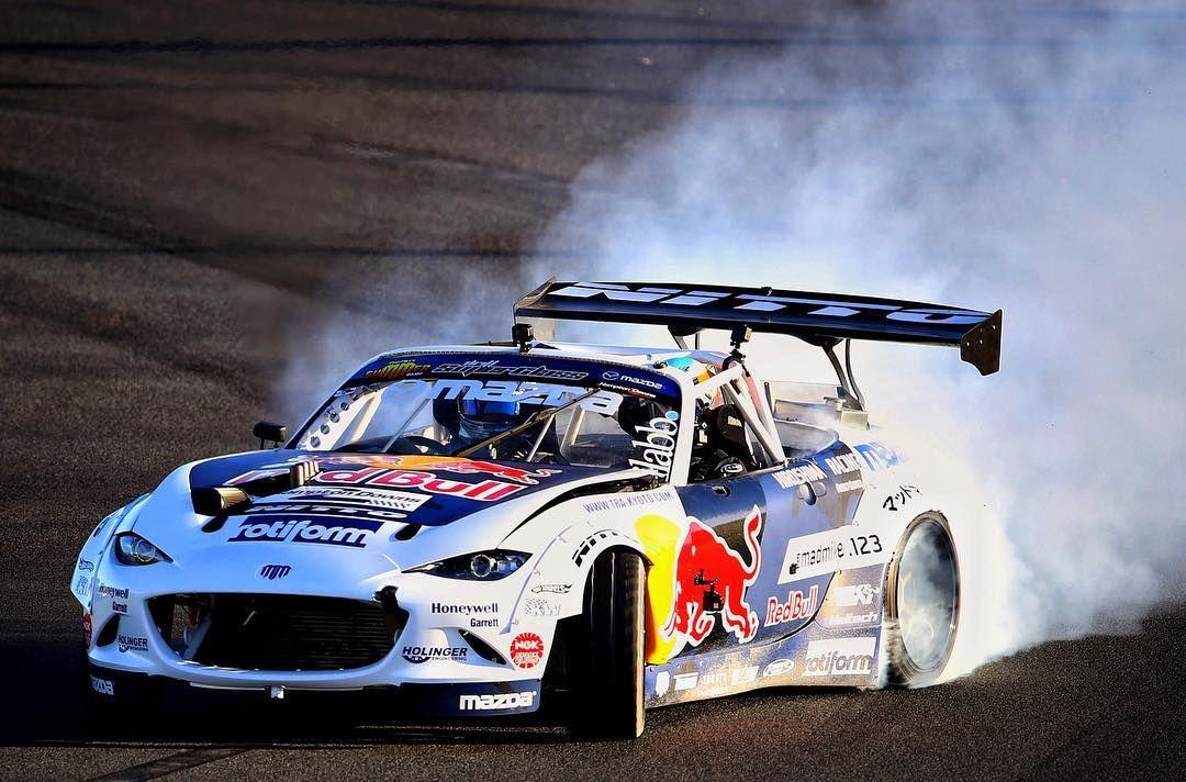 Melbourne Drift Daniel Ricciardo of Red Bull Racing in