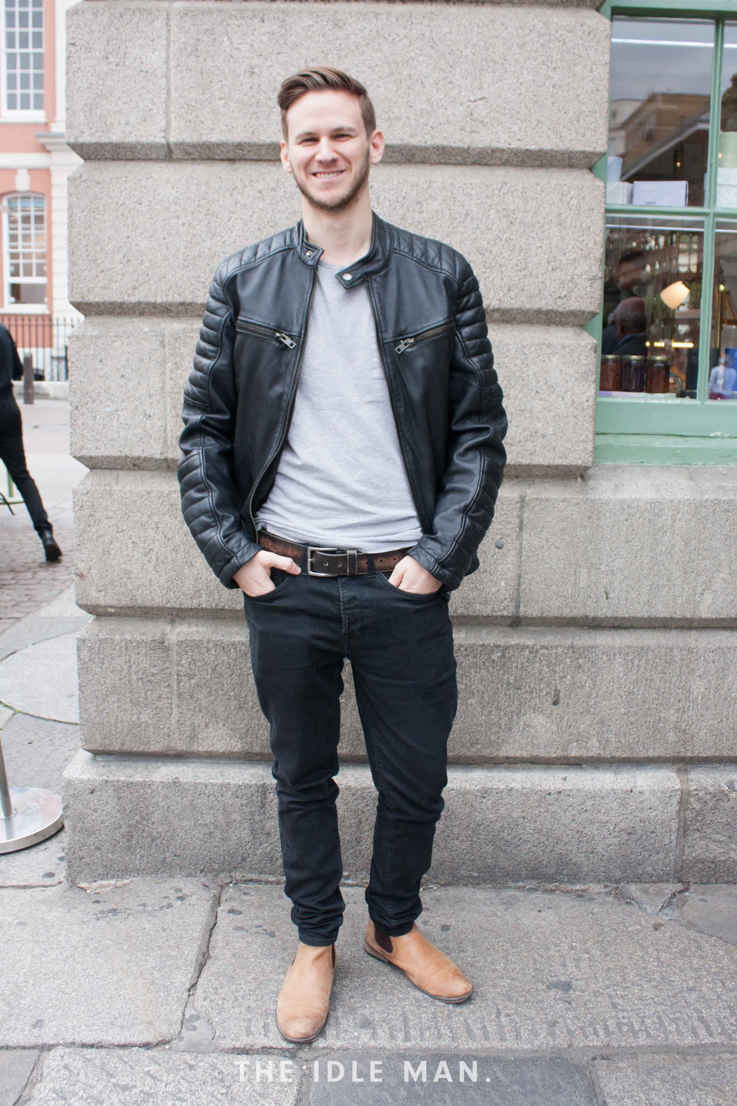 Black with what jeans matches What to