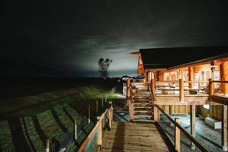 Rustic Wedding Venue In British Columbia Fraser River Fishing Lodge Agassiz