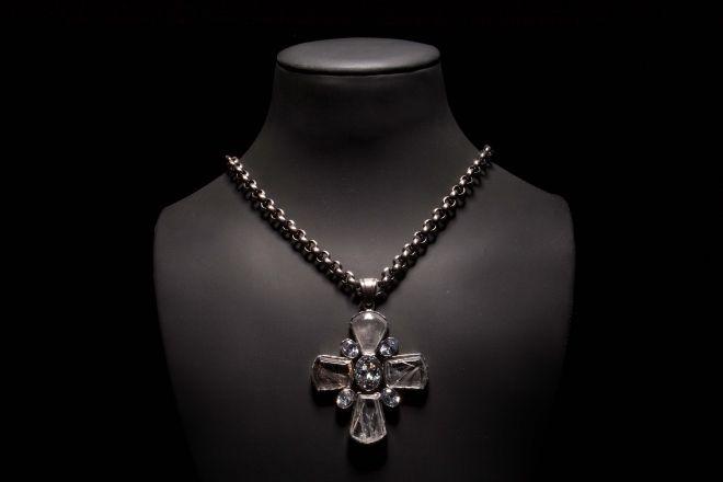 COLAR | Prata. NECKLACE | Silver. CL0060 ** PENDENTE | Prata e ouro com quartzo rutilado e zircónias. PENDANT | Silver and 9kts gold with rutilated quartz and zirconia. PD0033 #MarcoCruz #Joalheiro #Jewelry #Joias #Portugal #Silver #Jewels #Fashion