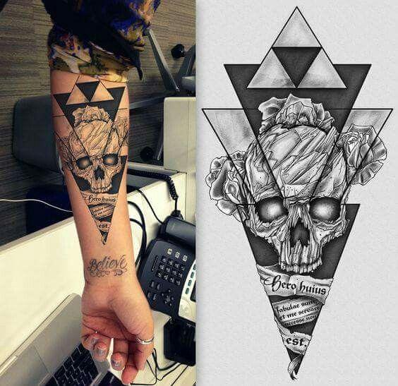Tatoo tatouage t te de mort avant bras triangle - Tatouage tete de mort avant bras ...