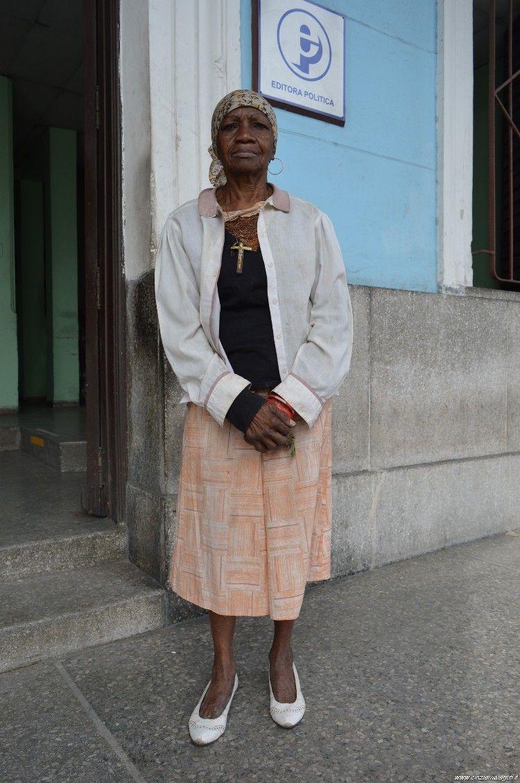 Cuba, La Habana, woman