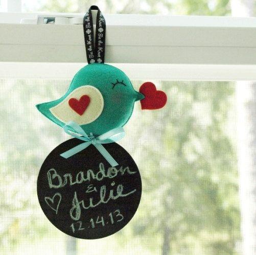 Salutation des oiseaux avec tableau noir souvenir par GiftsDefine, $38.00