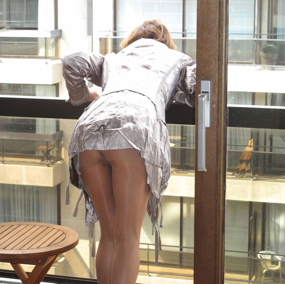 Pantyhose upskirt blog tear that
