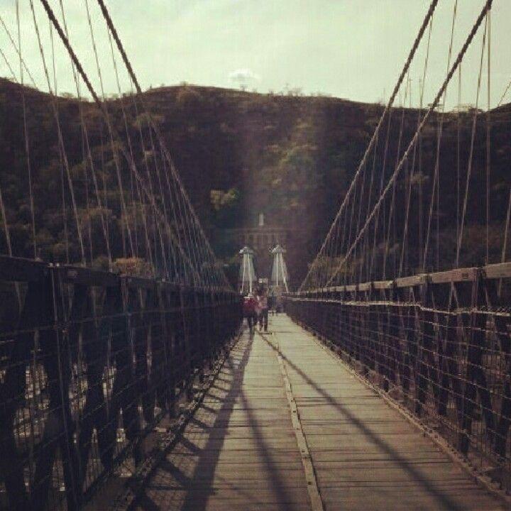 Puente del occidente..historia de colombia