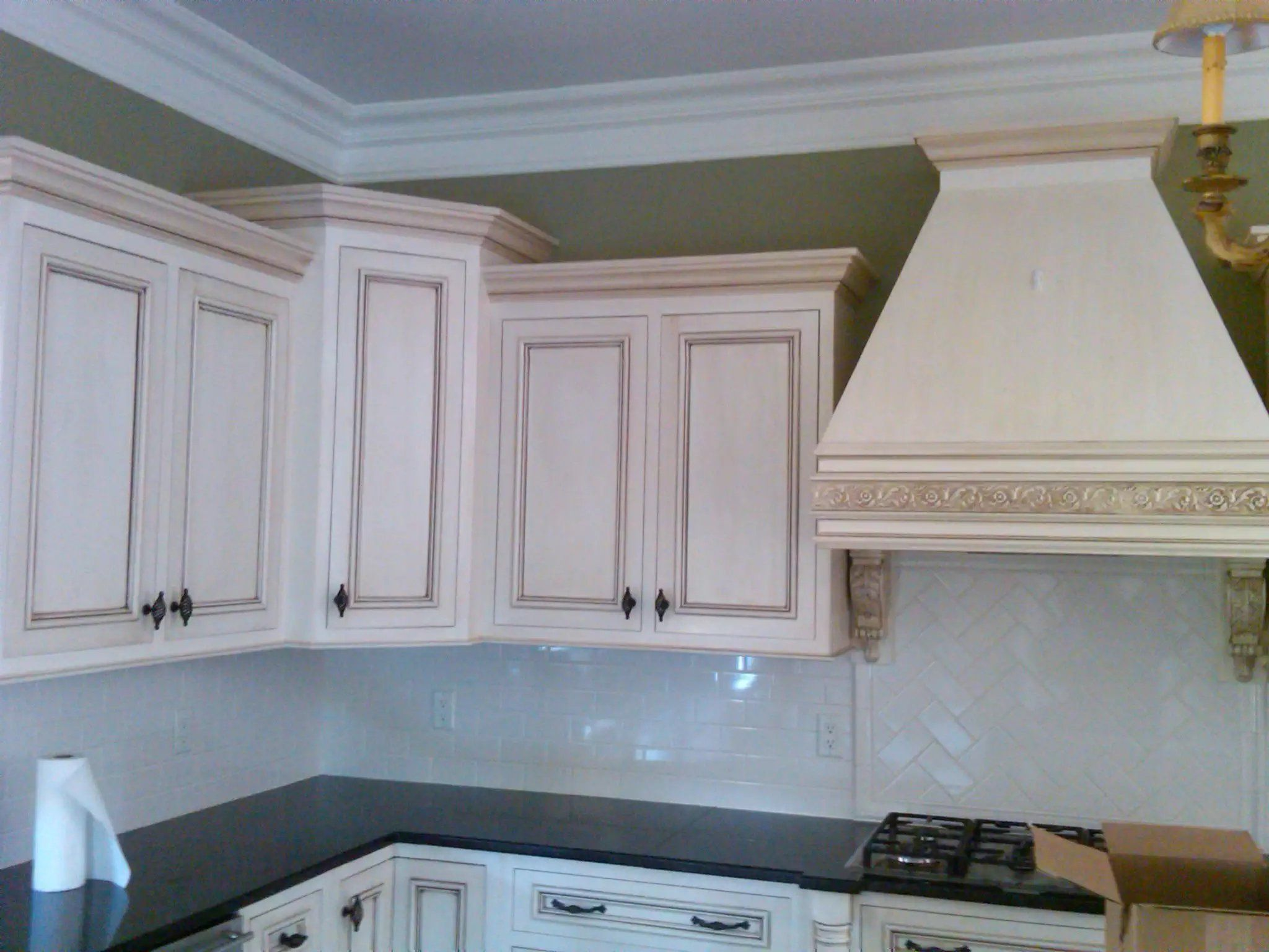 installing the glazing kitchen cabinets. Custom Painted White And Glazed Kitchen Cabinets Installing The Glazing
