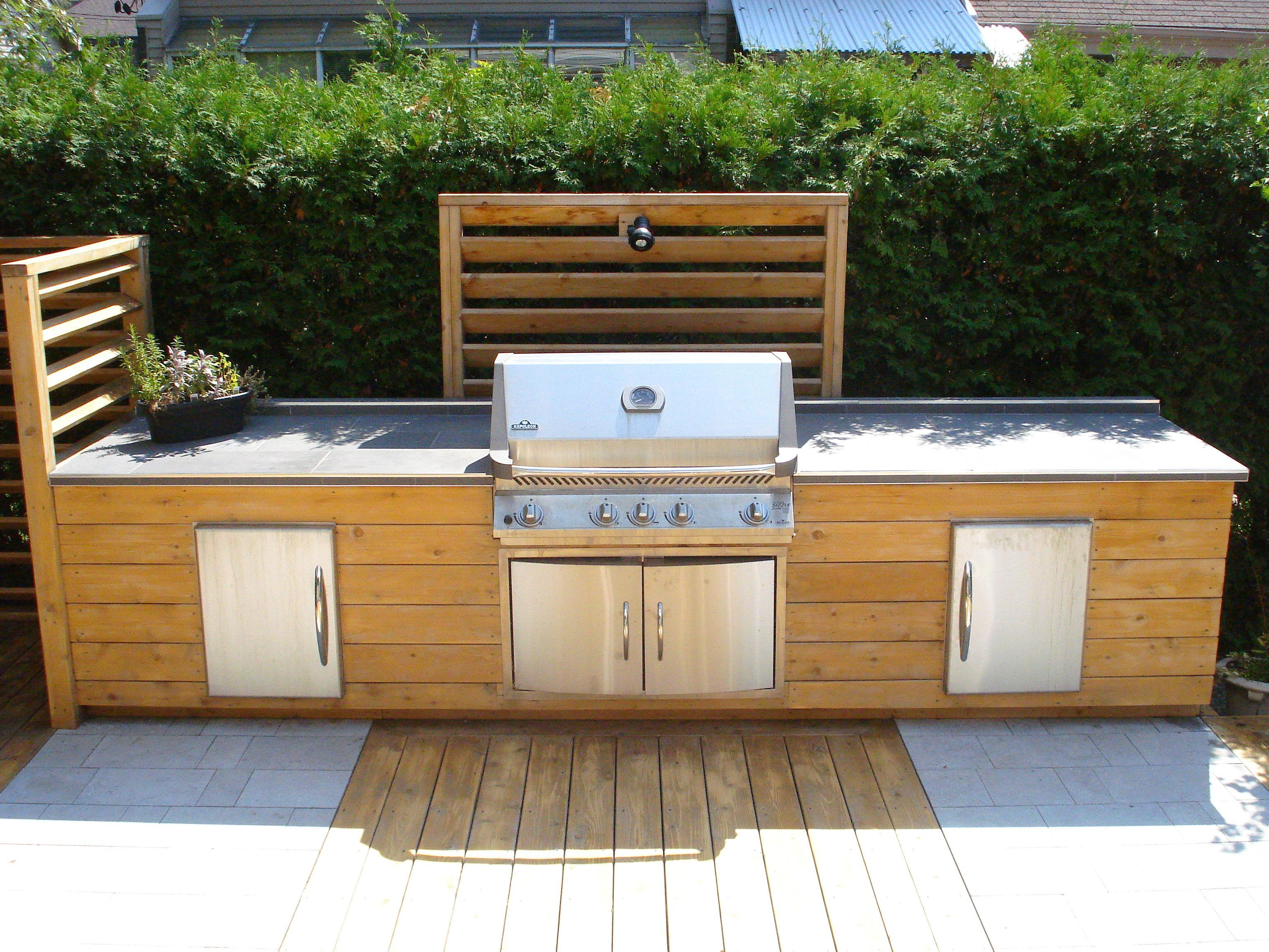 Pin By Eloise Houle On Terrasse Exterieure In 2020 Outdoor Bbq Kitchen Outdoor Kitchen Outdoor Kitchen Design