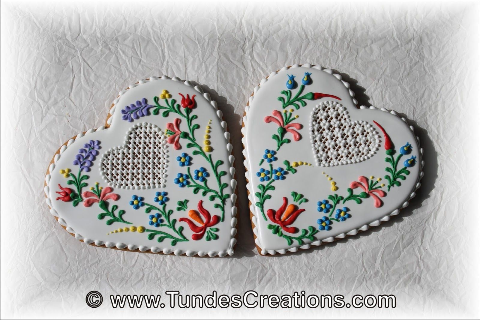 Hungarian folk art flower cookies by Tunde Dugantsi