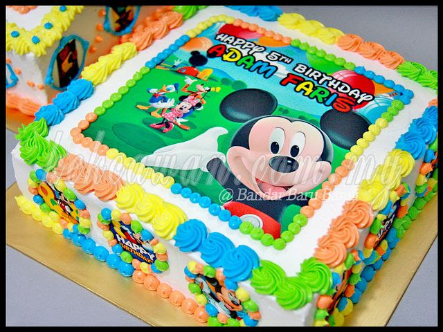 Moist Choc Cake With Mickey Mouse Edible Image In 2019 Recipes To