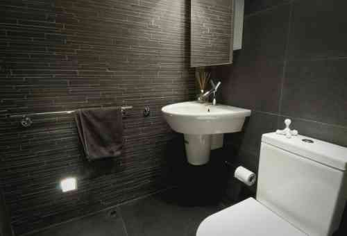 Salle de bain ardoise  naturelle et chic
