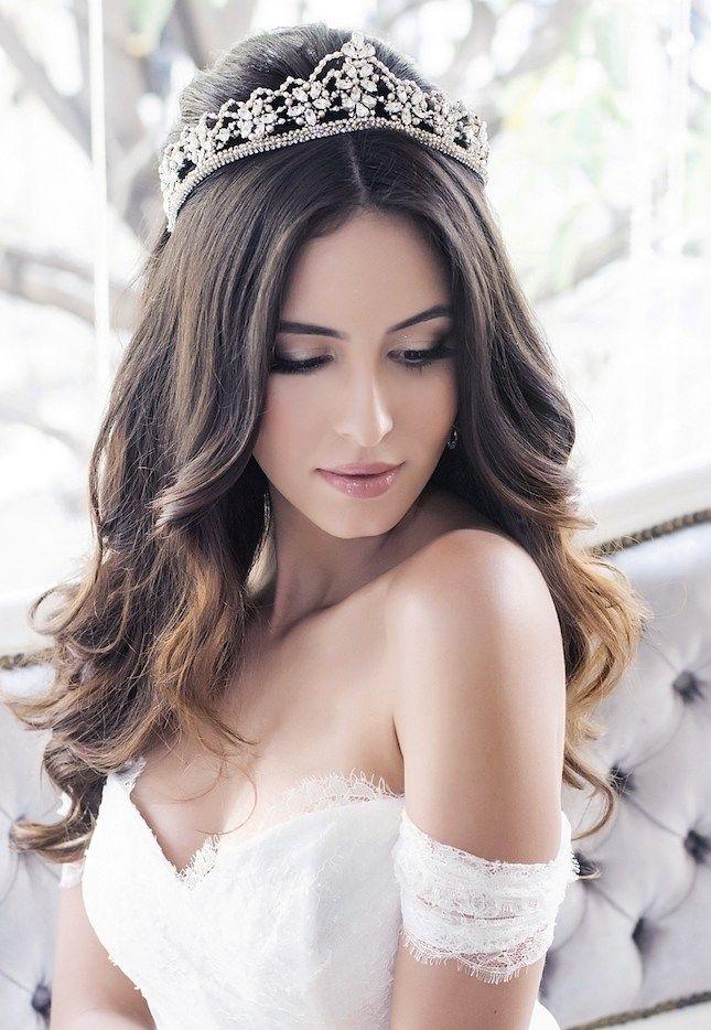 Peinados para novia con tiara