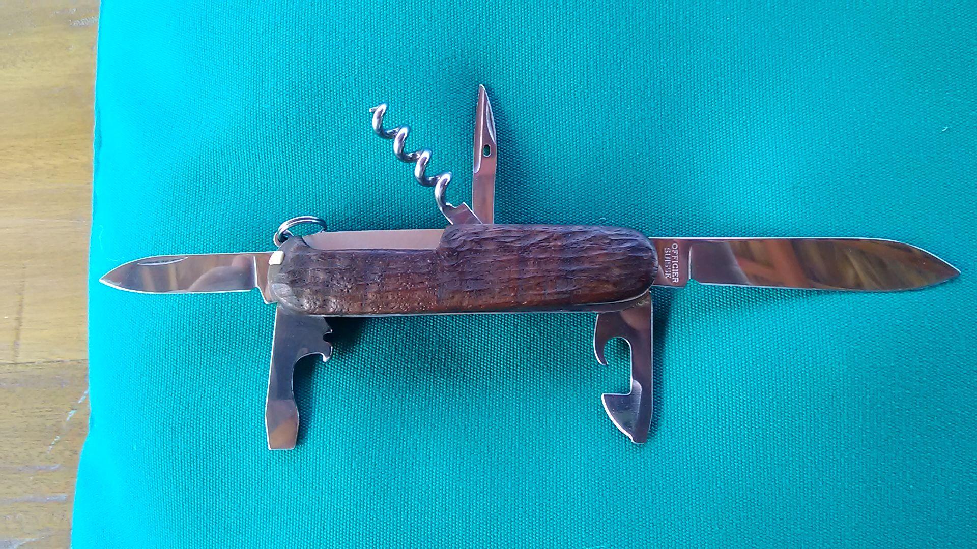 SAK7 - Camper model Swiss army knife with Ruf-Tup black walnut ...