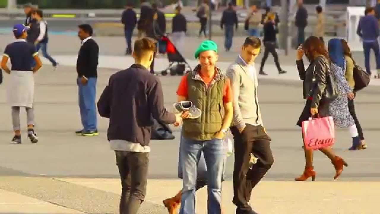 PRANK : Comment faire une photo avec une chaussure !