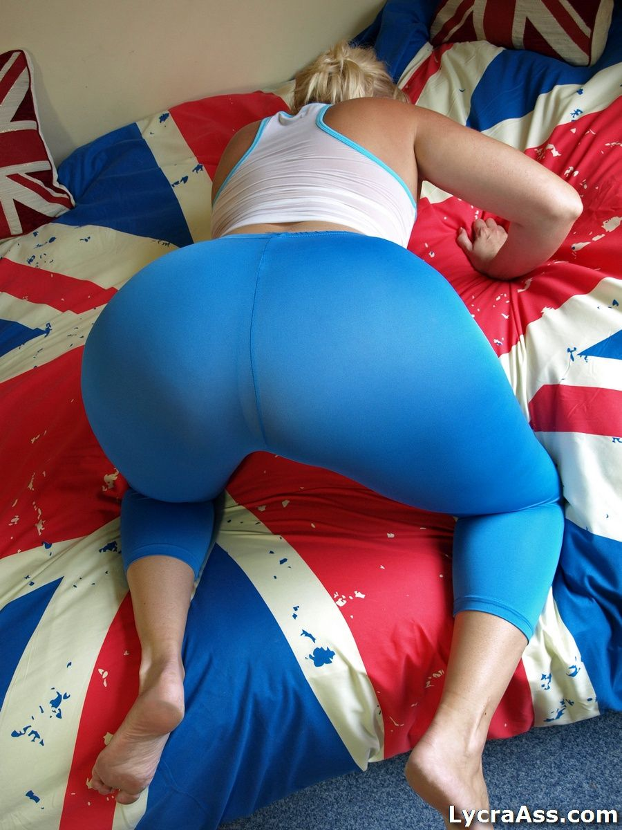 big ass daniella in tight transparent lycra leggings. big butt phat