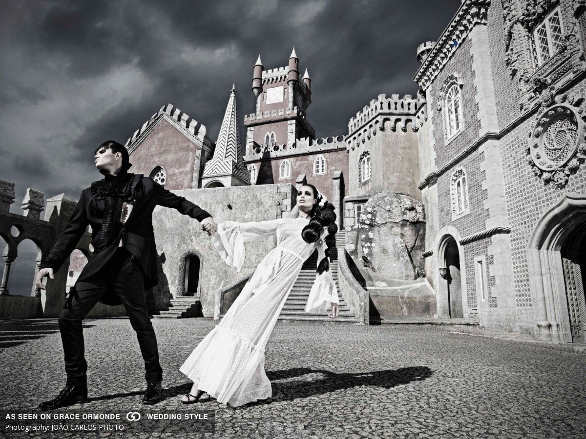 bride and groom married in portugal