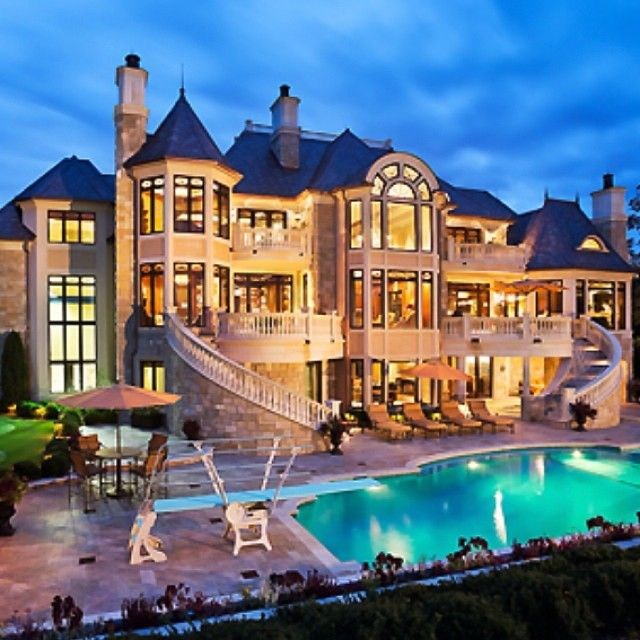 12 luxury dream homes that everyone will want to live for Big houses inside