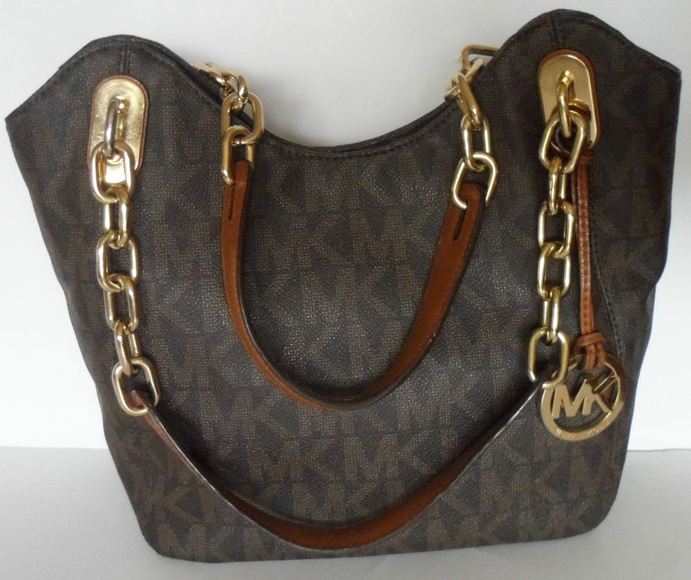 6dcc5a1e188a ... Michael Kors Lilly Tote Michael Kors Lilly tote shoulder bag with gold  chain detailed straps.