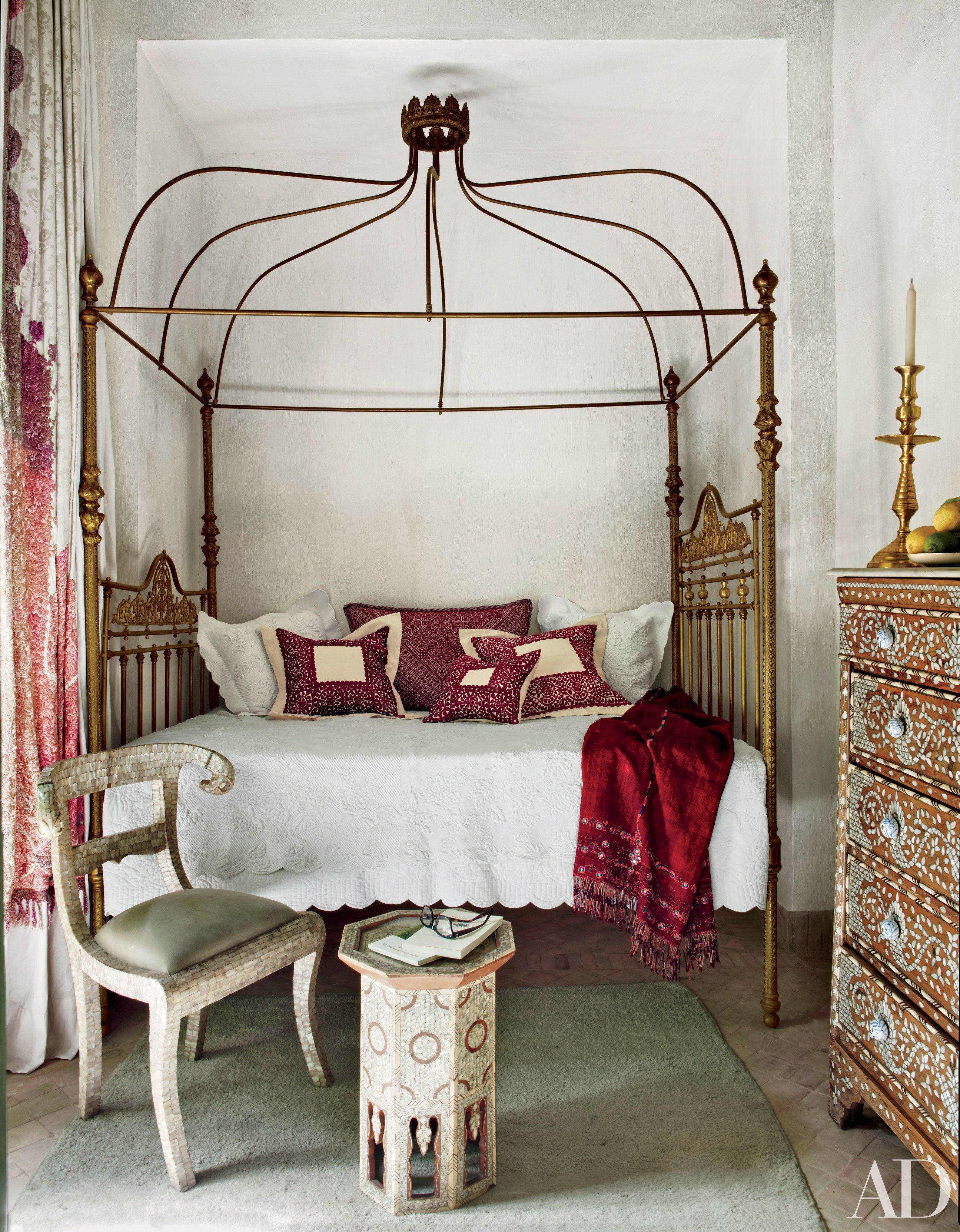 Captivating Decorating Ideas: Four Poster Beds | Architectural Digest