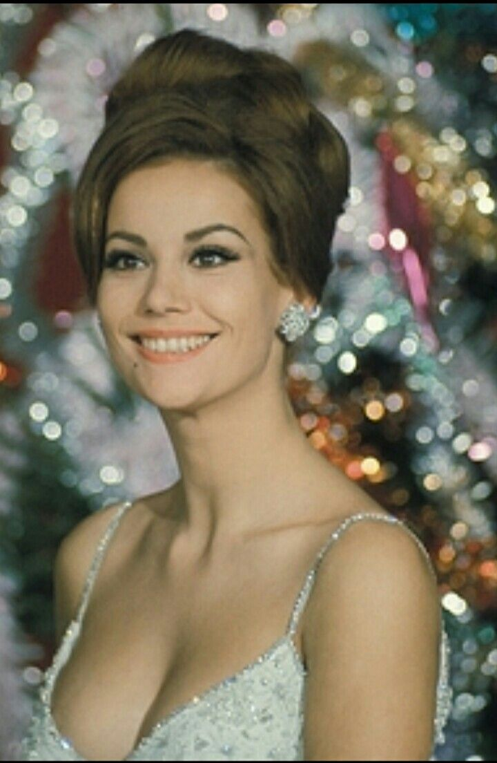 Goddess Claudine Auger  Vintage Beauty Icons  James Bond -1158