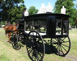 Amish Horse Drawn Hearse Amish Amish Community