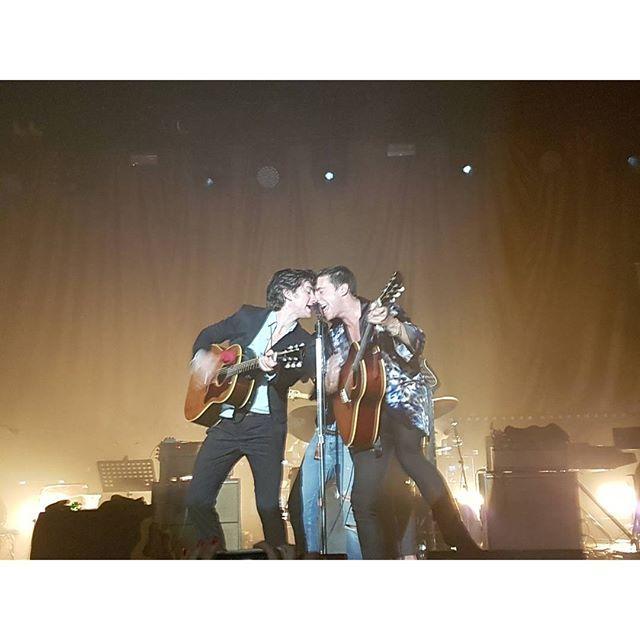 musicamans/2016/08/24 07:21:41/23.08.2016 - The Last Shadow Puppets, Berlin #tlsp #tlsp2 #eycte #thelastshadowpuppets #alexturner #mileskane #berlin #columbiahalle #livemusic #woodstock #bloodyamazing #blownaway