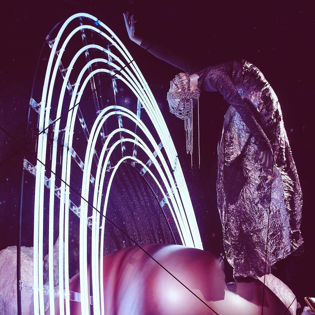 provocative-planet-pics-please.tumblr.com #windowdecor #selfridges #london #planets #space by janxsa https://www.instagram.com/p/-whGzgDjvp/