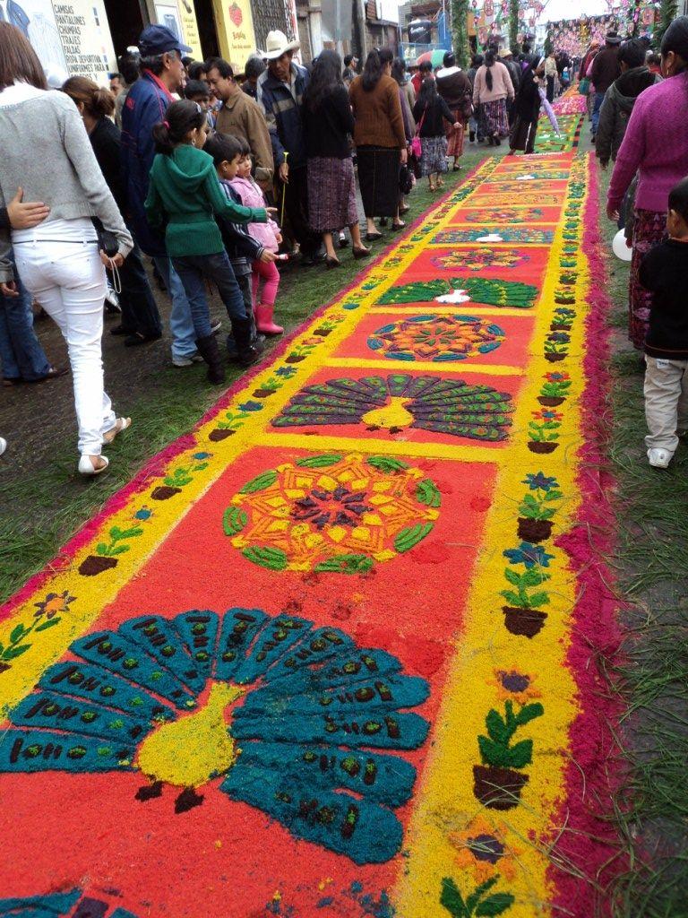Alfombras de aserr n de colores flores y adornos para el Alfombras persas en mexico