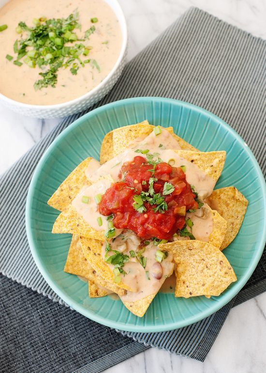 30 Crockpot Appetizers and Dips #crockpotappetizers