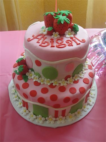 Strawberry Shortcake Birthday Cake : With Fondant strawberries