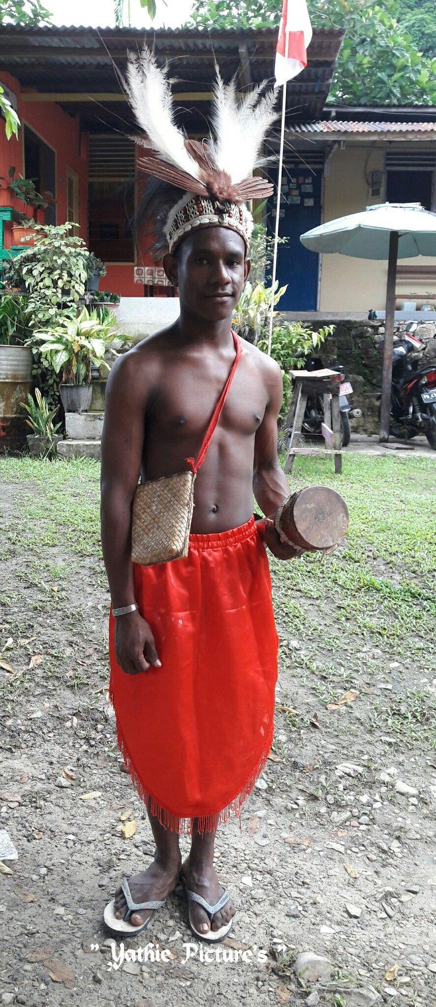Pakaian Adat Papua Dan Penjelasannya