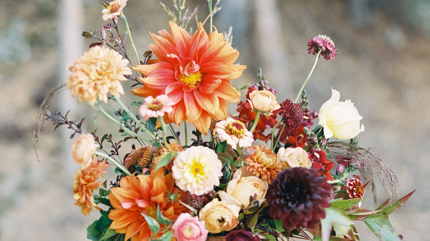 Learn about autumn centerpieces and bouquets and how to make learn about autumn centerpieces and bouquets and how to make beautiful fall flower arrangements from izmirmasajfo