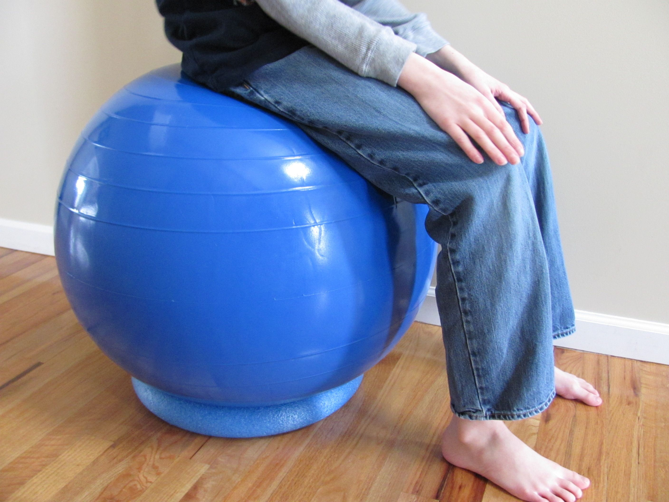 turn a ball into a chair using $1 pool noodle DIY
