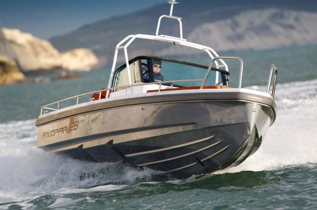 We get the long awaited Axopar 28 OC out on the water for its first UK sea trial
