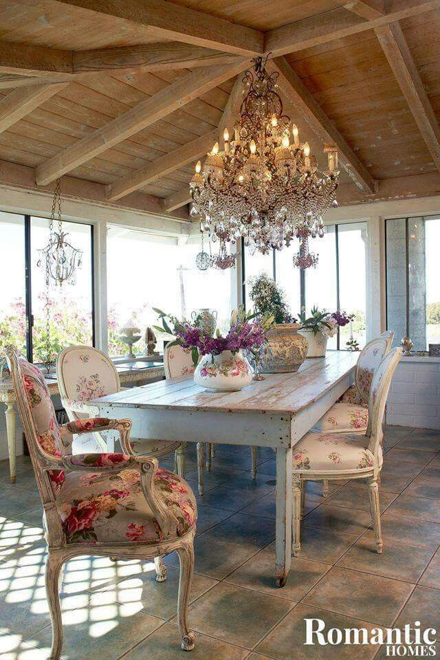 Pin di elisabetta pieri su home and home interior design for Arredamento francese shabby