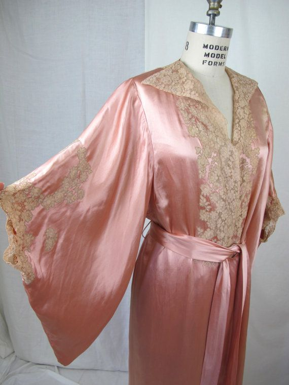 1930s Glamourous Silk Satin and Lace Night Gown Dressing Gown   Silk ...