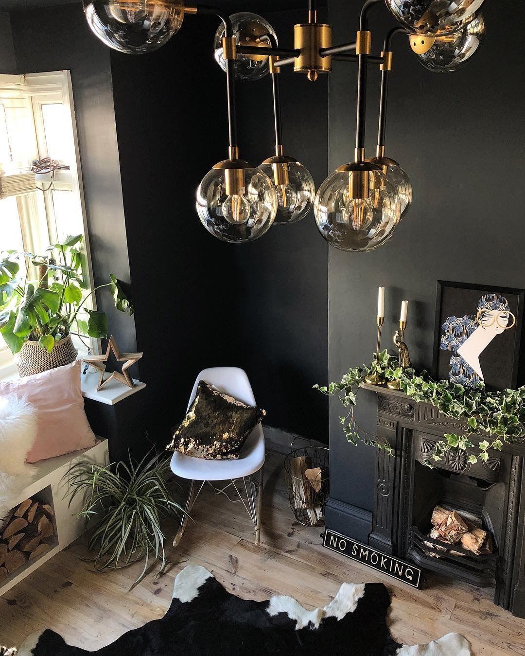 Innenarchitektur wohnzimmer lila plants dark wall  möbel  pinterest  einrichtung zuhause und wohnen