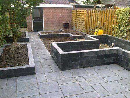Bestrating in combinatie met betonbielzen andre meilink gardening pinterest tuin met en - Claustra ontwerp pour terras ...
