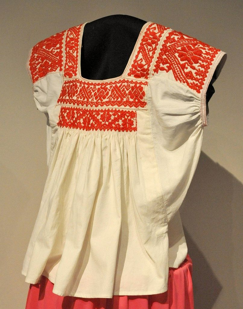 227b9c3e52 Hand embroidered cotton blouse from San Francisco Huazalingo