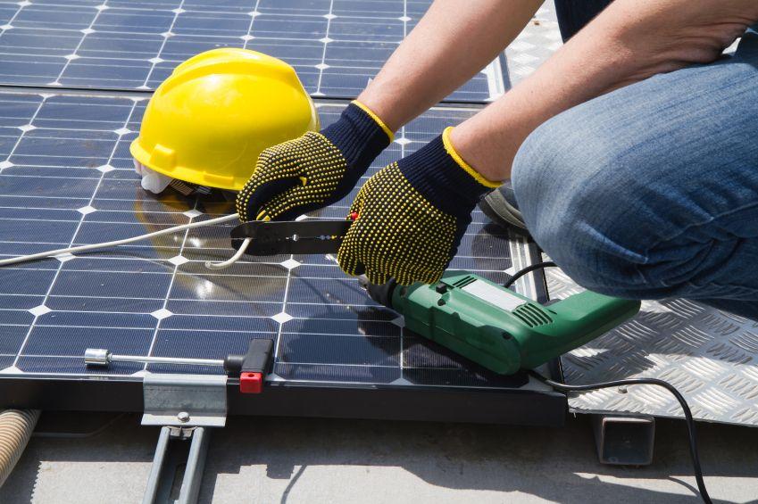 Are You Really Looking For Valid Options Regarding Renewableenergy Equipment The Renewable Energy Hub Solar Panel Installation Best Solar Panels Solar Panels