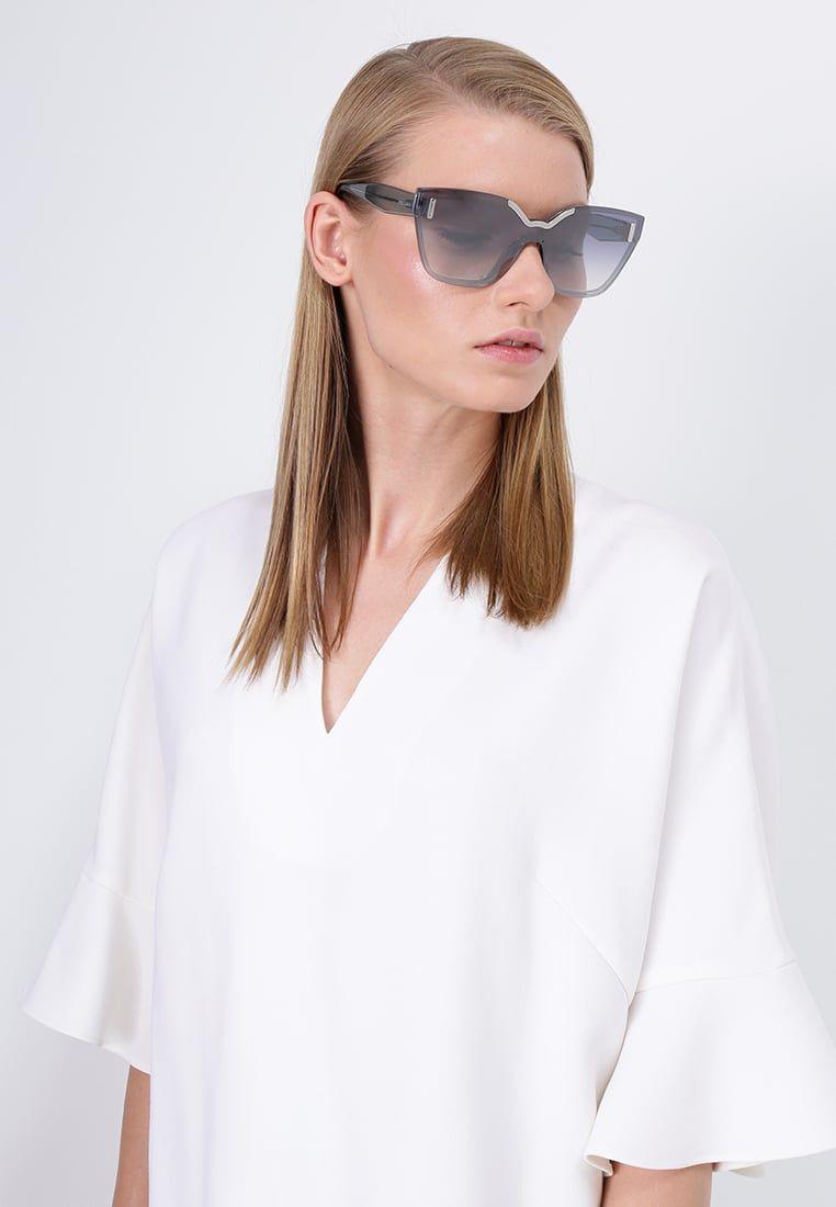 Consigue este tipo de gafas de sol de Prada ahora! Haz clic para ver ...