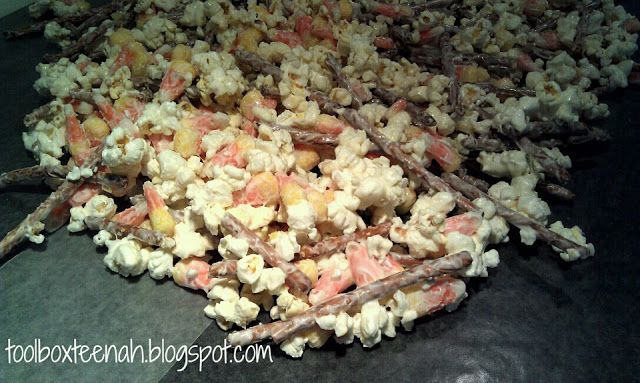 teenah's projects: Recipe Wednesday: Candy Corn Popcorn Snack Mix