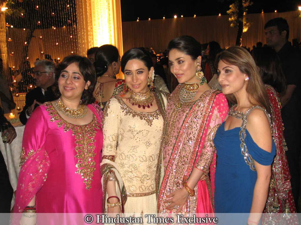 Karishma Actress Kapoor Kareena Riddhima And A Cousin
